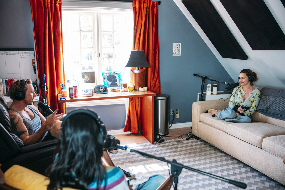 Resultado de imagen de emilia clarke armchair expert